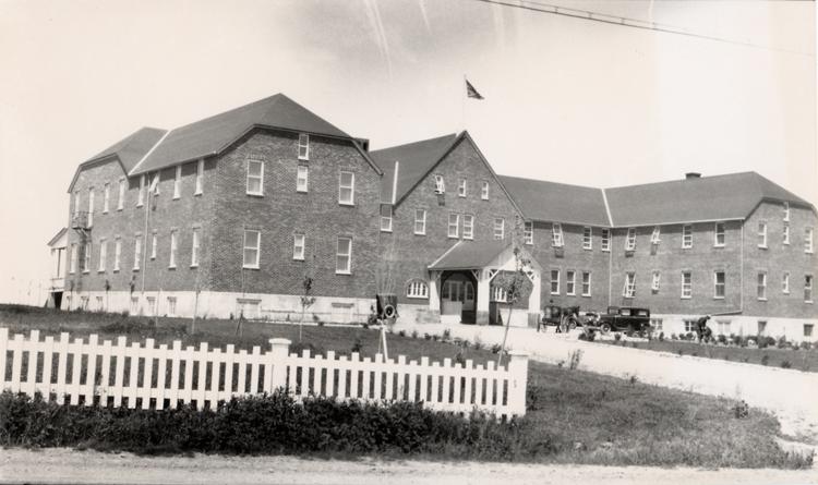 Premier Hôtel Belle Plage, au 8 Saint-Jérôme à Matane, juin 1931