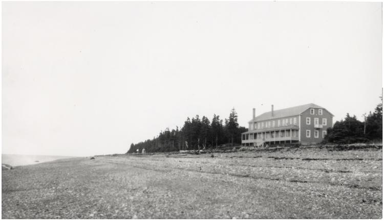 Le nouvelle Hôtel Belle Plage en 1935, construit au début des années 30 sur son site actuel