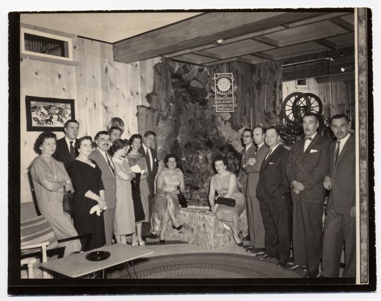 Hôtel Belle Plage, inauguration du puit des désirs du Club Richelieu, début des années 60